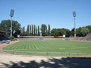 Merck-Stadion am Böllenfalltor - Image: Böllenfalltor Blick von Südkurve