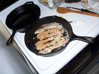 Bacon frying in its own grease Bacongrease.jpg