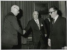 Carlo Azeglio Ciampi, a destra, in compagnia di Paolo Baffi primo a sinistra, 1979