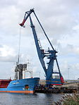 Barge crane at Amsterdam.JPG
