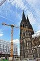 Baukran am Kölner Dom.jpg