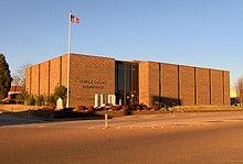 Benton-county-courthouse-tn1.jpg