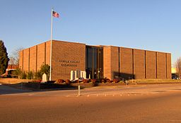 Benton-county-courthouse-tn1.jpg