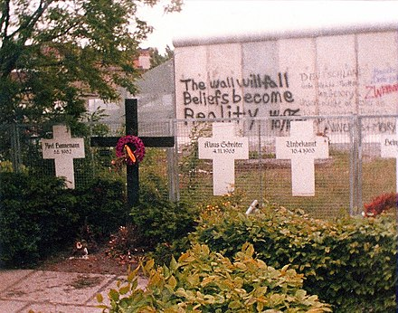 Memorial to the Victims of the Wall, with graffiti, 1982. Berlin-Memorial to the Victims of the Wall-1982.jpg