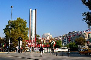 Beşiktaş - Besiktas Square