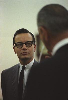 Bill Moyers 1966 color Back of LBJ head
