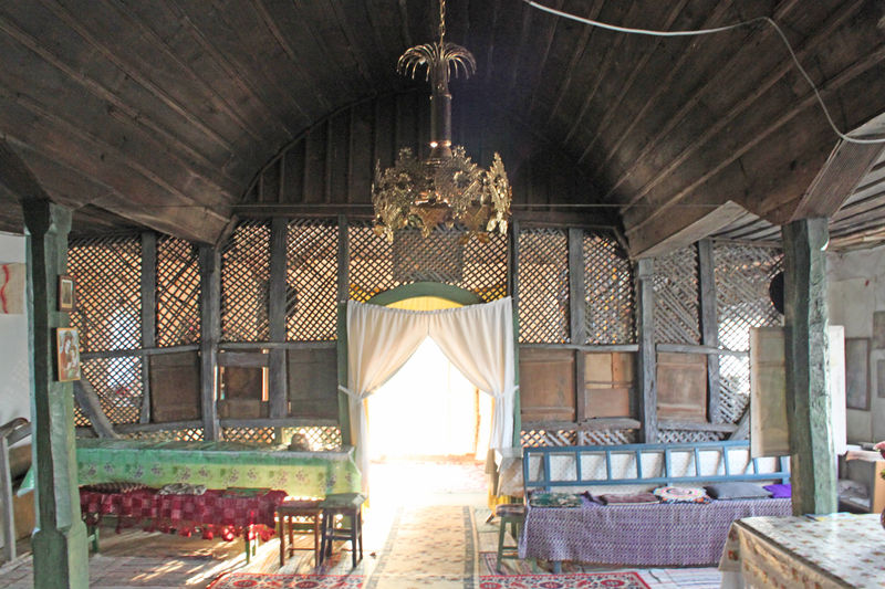 Fișier:Biserica de lemn din Satu Nou8.jpg