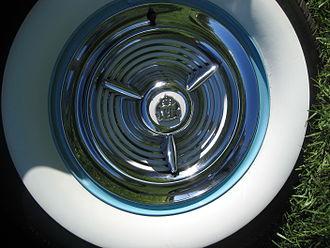 "Oldsmobile 98 - Oldsmobile 98 Fiesta style ""spinner"" hubcap"