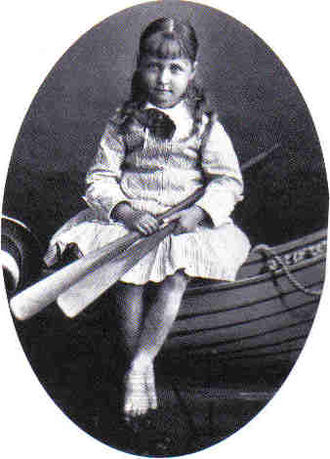Princess Marie of Hesse and by Rhine (1874–1878) - Image: Boat May