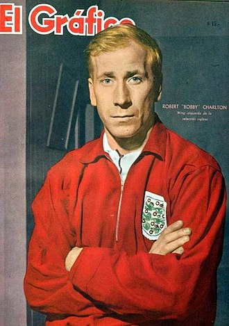 Bobby Charlton - Charlton on the cover of the Argentinian sports magazine El Gráfico, 27 June 1962