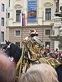Bratislavské korunovačné slávnosti 2010 - Novokorunovaný kráľ Ferdinand IV. (herec E. Zvarík) pri ceste na korunovačný pahorok.jpg