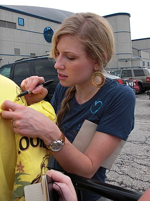 Brooke White - White signing autographs during the American Idols Live! Tour 2008