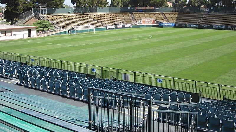 http://upload.wikimedia.org/wikipedia/commons/thumb/b/b5/Buck_Shaw_Stadium_field_9.JPG/800px-Buck_Shaw_Stadium_field_9.JPG