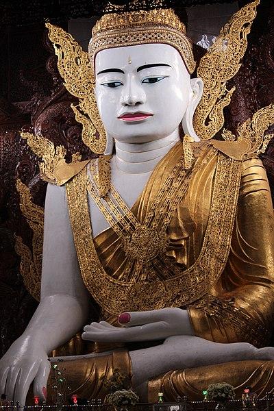 File:Buddha Statue at Nga Htat Gyi Pagoda at Yangon (10).jpg