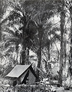 "Bukama - Commandant Léon Tonneau (1863-1919) camp, in his inspection round in Bukama (Katanga) between 1903 et 1906. Tonneau was director of the ""Comité Spécial du Katanga."""