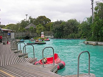 Rainbow's End (theme park) - Image: Bumperboats re