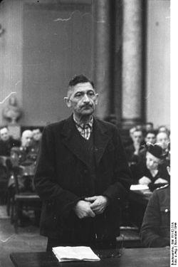 Bundesarchiv Bild 151-52-31A, Volksgerichtshof, Ferdinand Freiherrr von Lüninck.jpg