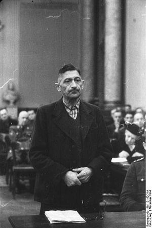 Ferdinand von Lüninck - Ferdinand Freiherr von Lüninck at the Volksgerichtshof, 1944
