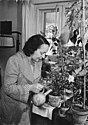 Bundesarchiv Bild 183-29085-0008, Dresden, Lea Grundig in ihrer Wohnung.jpg