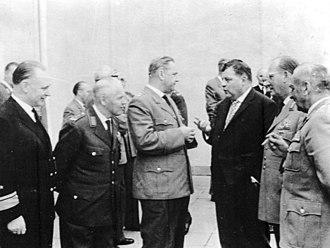 Friedrich Foertsch - Meeting of the Bundeswehr on 8 June 1961. From left to right Karl-Adolf Zenker, Josef Kammhuber, Albert Schnez, Franz Josef Strauß, Hans Speidel and Friedrich Foertsch