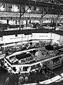 Bundesarchiv Bild 183-D1001-0013-001, Berlin, Zentralmarkthalle, Ladenstraße.jpg