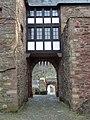 Burg Hengebach Burgtor von der Burgseite her - panoramio.jpg