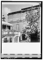 COURTYARD, LOOKING EAST - Pentheny Hotel, 45A and 46B King Street, Christiansted, St. Croix, VI HABS VI,1-CHRIS,42-5.tif