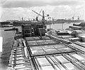 Caissonbouw voor rampgebied in haven Rotterdam, Bestanddeelnr 905-6389.jpg