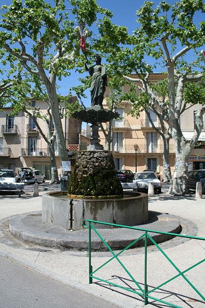 Canet (Hérault) - statue de Marianne.