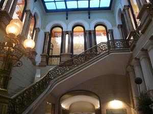 Iron railing - Image: Casa Juncadella escala