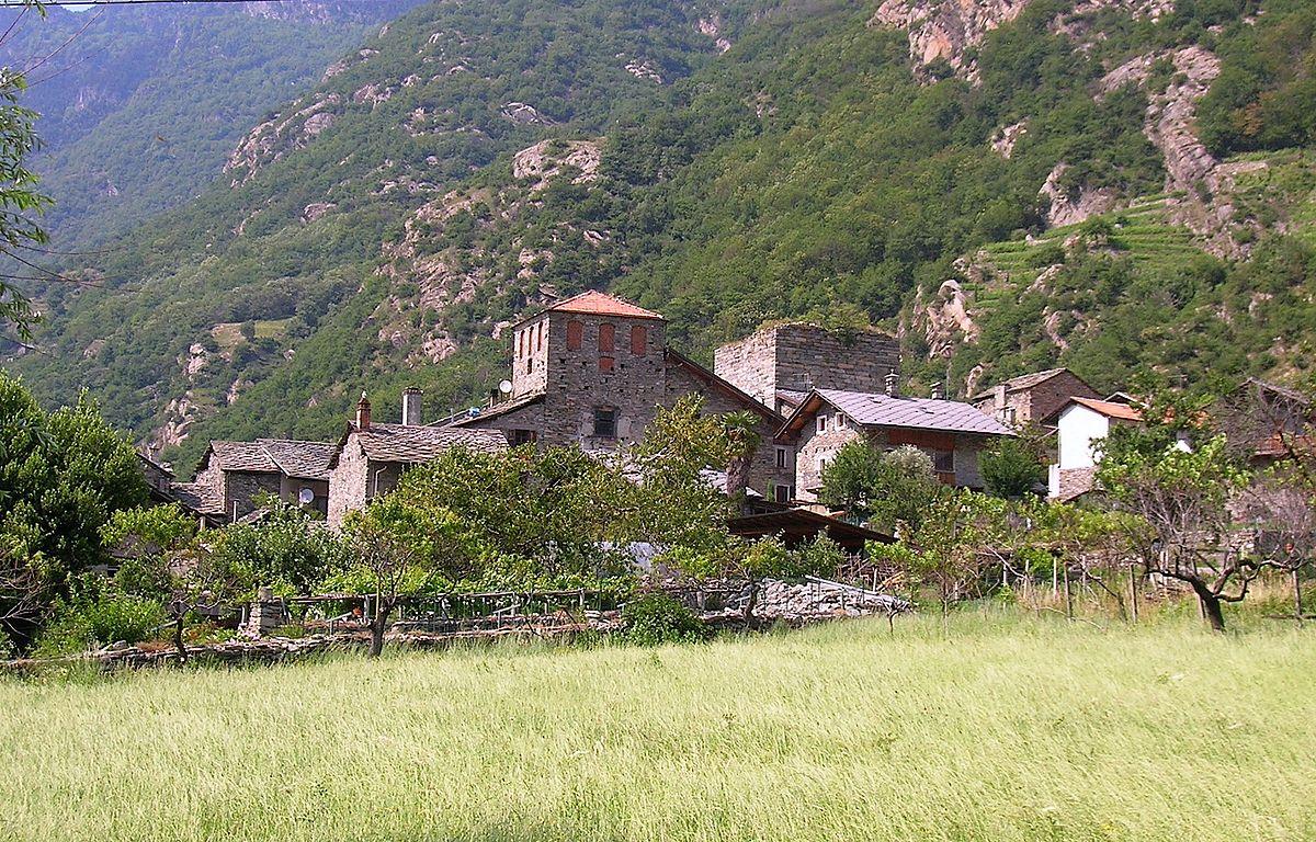 Casaforte e torre di ville wikipedia for Piani di casa torre allerta
