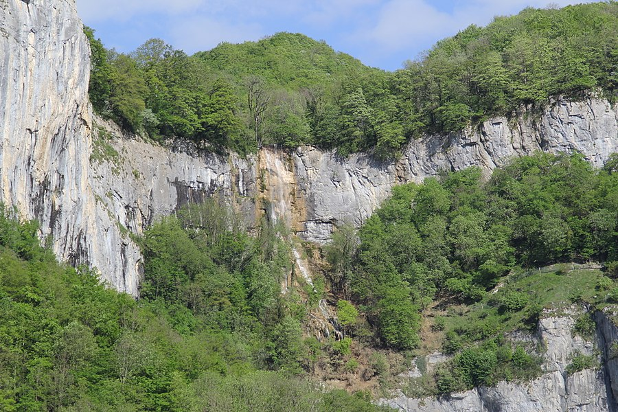 Syratus waterfall near Mouthier-Haute-Pierre, France