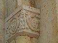 Cercles église chapiteaux (3).JPG