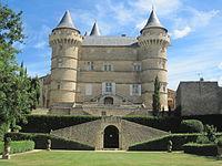 Château de Margon - Façade vue du jardin.JPG