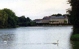 Château de Rambouillet - The château seen from the tapis vert across the center canal.