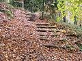 Cinibulkova stezka, schody mezi Kačinou a Vyhlídkami.jpg