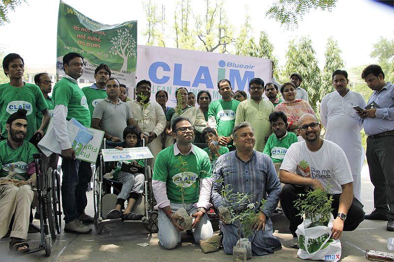 File:Clean Air India Movement plantation drive.jpg