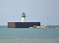 Cleveland East Pierhead Light.JPG