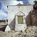 Collectie Nationaal Museum van Wereldculturen TM-20029916 Waterbak van het landhuis Sint-Rafael Curacao Boy Lawson (Fotograaf).jpg