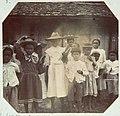 Collectie Nationaal Museum van Wereldculturen TM-60062313 Groepje schoolkinderen Jamaica fotograaf niet bekend.jpg