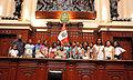 Congresista Chihuán con colegiales cañetanos (7003016483).jpg