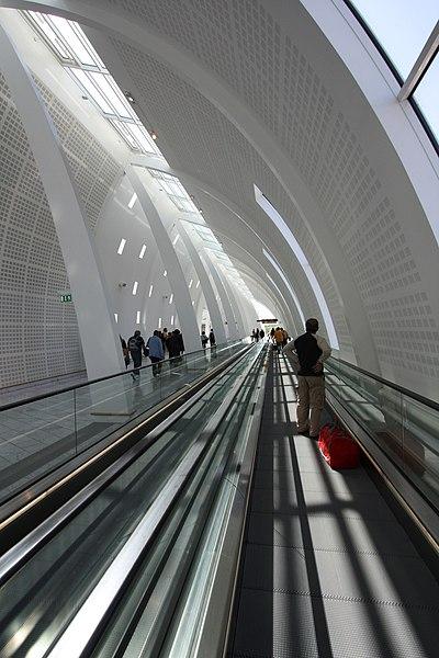 File:Copenhagen Airport, Terminal 1 - panoramio.jpg