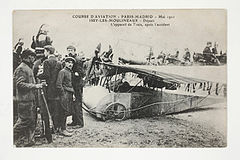 Course d'Aviation - Paris-Madrid - Mai 1911 - Départ -L'appareil de Train, après l'accident. (7843396146).jpg