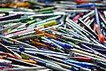 Crayons usagés récupérés comme déchets à valoriser 02.jpg