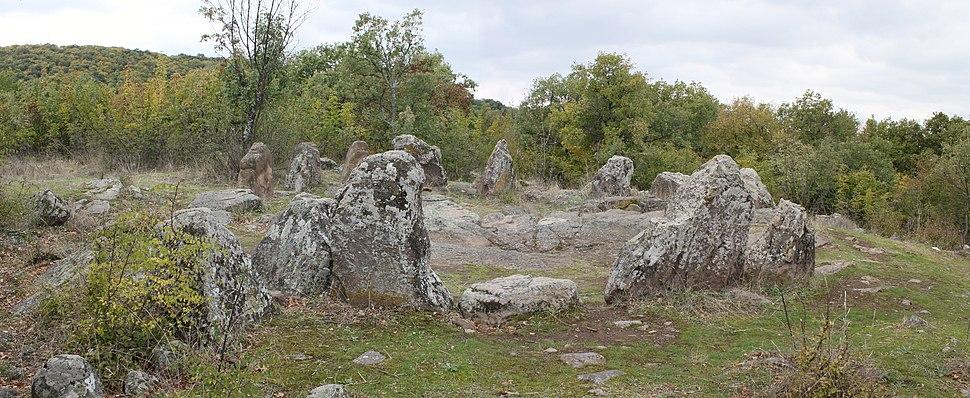 Cromlech near Dolni glavanak 039