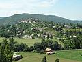 Dauphin, vue du village de l'est.JPG