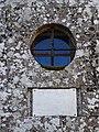 Detalle fachada igrexa Mociños, Quintela de Leirado.jpg
