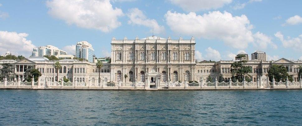 Dolmabahçe Palace (cropped)