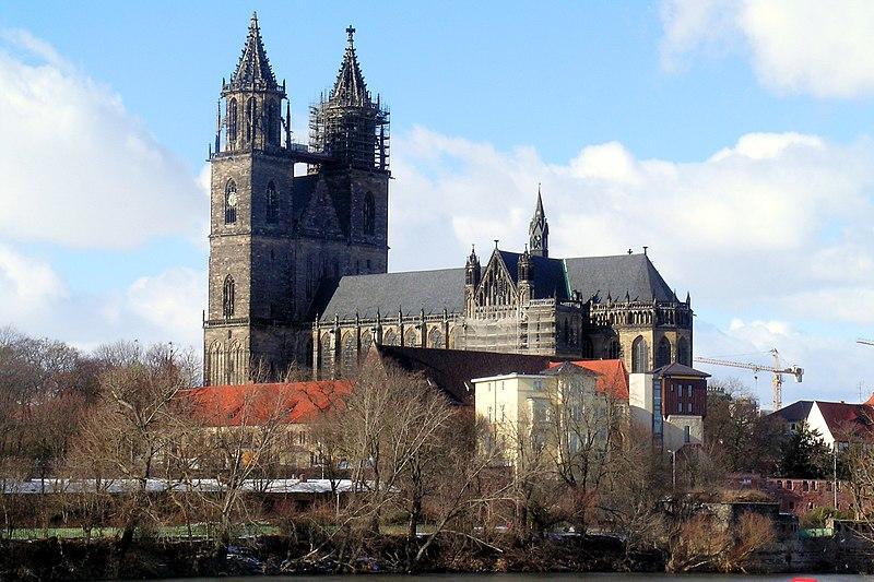 http://upload.wikimedia.org/wikipedia/commons/thumb/b/b5/DomzuMagdeburg.jpg/800px-DomzuMagdeburg.jpg