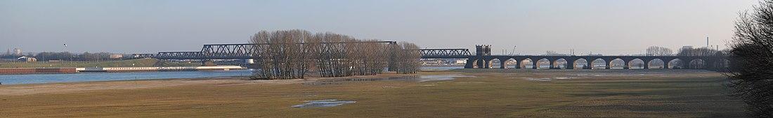 Панорама железнодорожного моста Дуйсбург-Хохфельдер